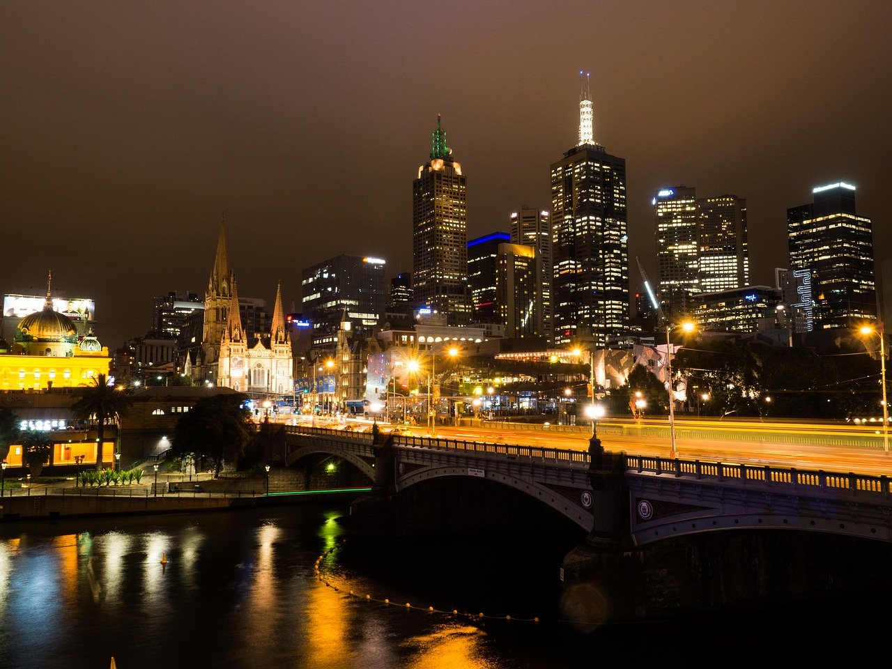 Melbourne at night - image